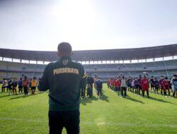 Dihadapan Calon Peserta Diklat Sepak Bola , Wawali Armuji Ingin Surabaya Jadi Gudang Bibitnya Pemain Handal
